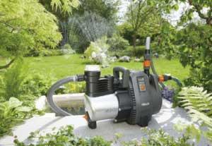 Gardena 1736-20 Premium Gartenpumpe 6000/6 inox im Einsatz